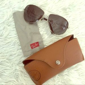 LIKE NEW Ray-Ban Aviators